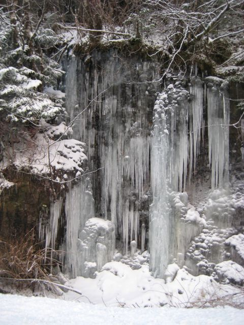 icicle formations.jpg
